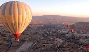 Крушение воздушного шара в Каппадокии унесло жизнь одного туриста