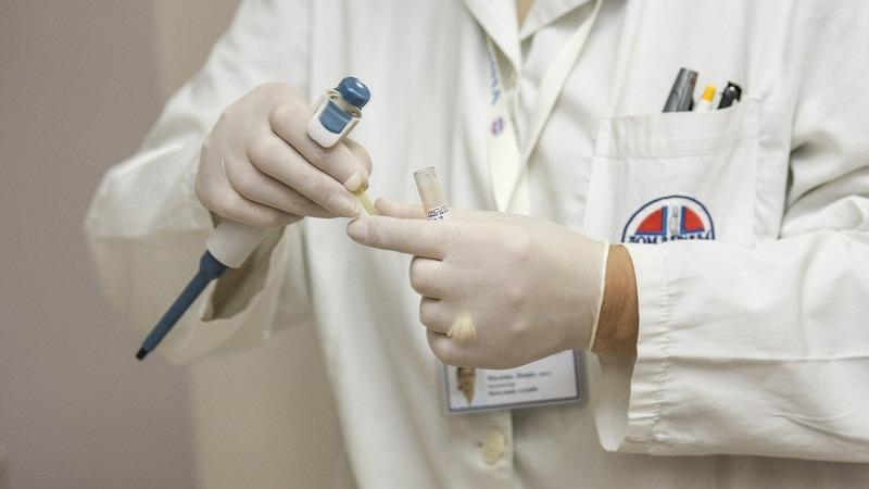 В Турции число заражённых коронавирусом выросло до 2433