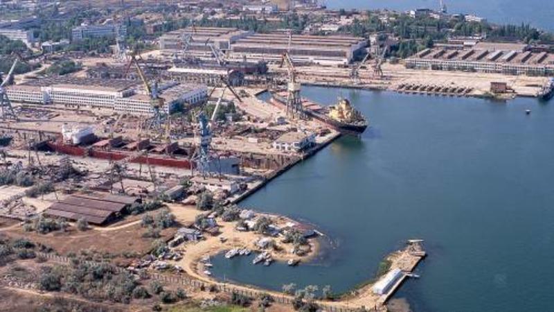 В Крыму экипажам двух судов из Турции запретили сходить на берег
