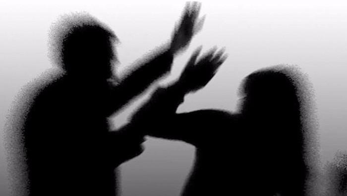 В Турции выросло число сообщений о бытовом насилии во время самоизоляции из-за коронавируса